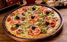 PIZZA PORTUGUESA COM CALABRESA